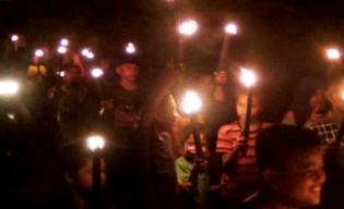 Meriahnya Takbiran Menggunakan Obor di Dusun Teratak Salo