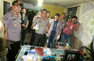 Polda Riau Gerebek Pabrik Narkoba di Jalan Angsa Putih Pekanbaru