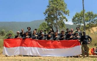 Peringati Hari Jadi Kota Bekasi, KPA Cempala & Komodo Naik Gunung Sindoro