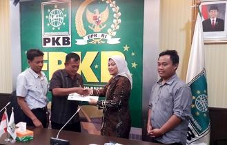 Petani Karawang Mengadukan Nasibnya ke F-PKB