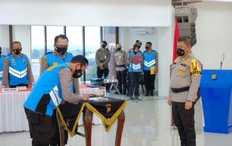Panitia dan Peserta Tanda Tangani Pakta Integritas Dihadapan Kapolda Riau
