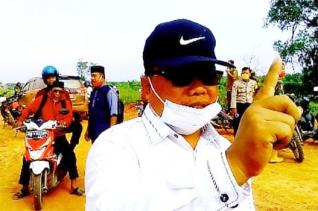 PATRI Rohil Turunkan Bantuan Penimbunan Jalan Lintas Pesisir Menuju Kubu dan Kuba