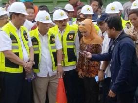 Jalan di Bekasi Akan Gunakan Aspal Sampah Plastik