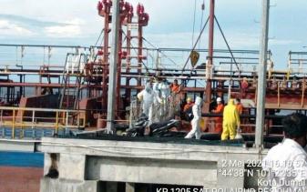 Pelabuhan Dumai Berstandar Internasional, Evakuasi Master Kapal MT ARK Progress Oleh Polres Dumai