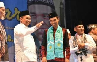 Ribuan Masyarakat Sergai Saksikan Ceramah Ust H Abdul Somad