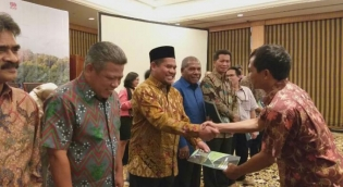 Tentang Naskah Kebijakan Transfer Fiskal Berbasis Ekologi, Bupati Bener Meriah Tgk H Sarkawi dan PATTIRO Gelar Rapat