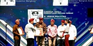 Nova Iriansyah Raih Penghargaan Kepala Pemerintah Terbaik