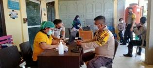 Kegiatan Pemberian Vaksin Covid Oleh Urkes Polres Rohil Terhadap Personel