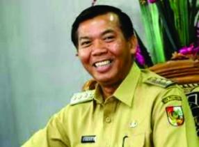 Wali Kota Pekanbaru Bantah Sudutkan Guru Soal Tuntutan Tamsil