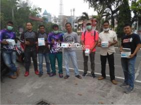 Peduli Dampak Kabut Asap, Komunitas NNJ Kabupaten Bengkalis Bagi - Bagikan Masker