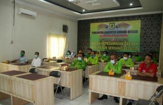 Pejabat Pemkab Sergai Saksikan Pelantikan Virtual Bupati dan Wabub Dambaan di 3 Titik