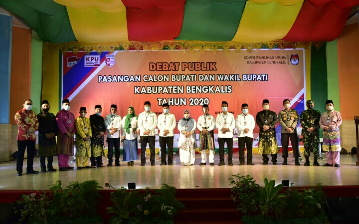 KPU Bengkalis Selenggarakan Debad Publik Perdana Pasangan Cabub Cawabub Malam Ini