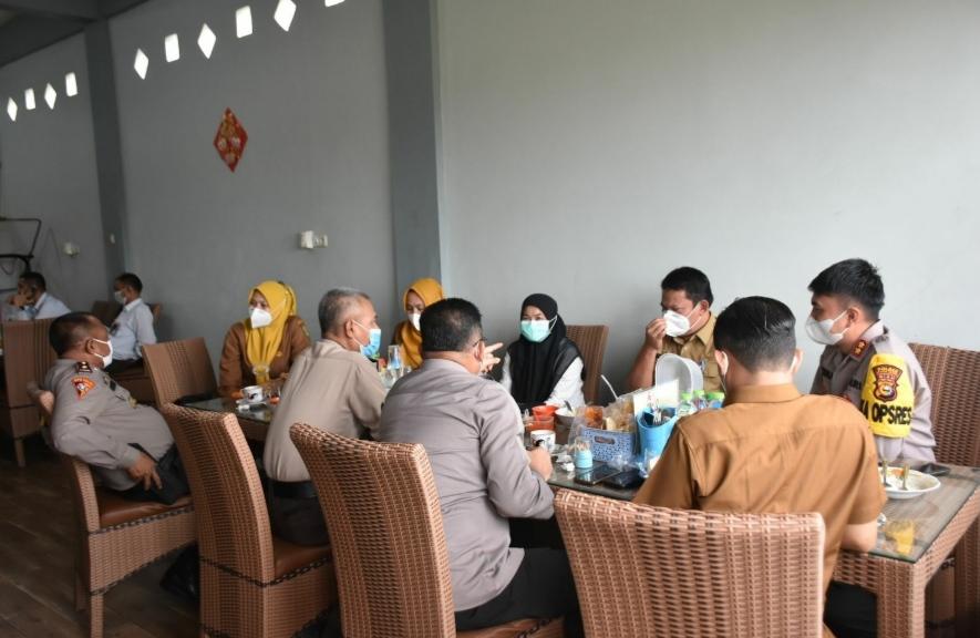 PJU Polres Kuansing Bersama Kadis Kesehatan Mengadakan Coffee Morning