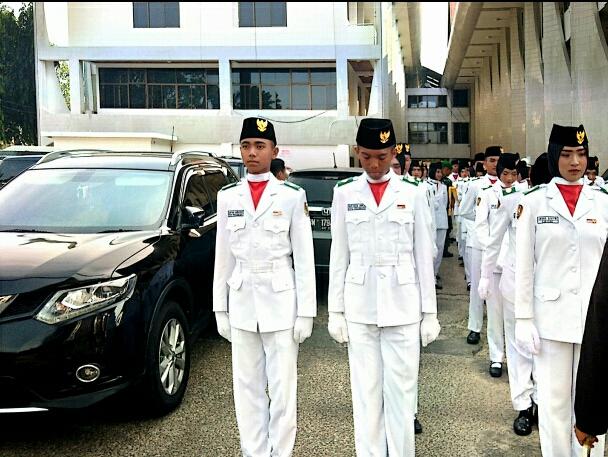 Reyhan Danton Paskibraka Upacara Peringatan HUT RI di Halaman Kantor Gubernur Provinsi Riau