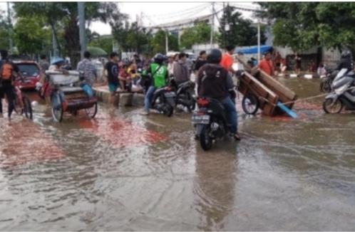 Masih Banjir, Jalan Daan Mogot Jakbar Tersendat