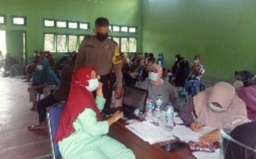 Pemerintah Desa Tani Makmur Ikut Sukseskan Vaksinasi