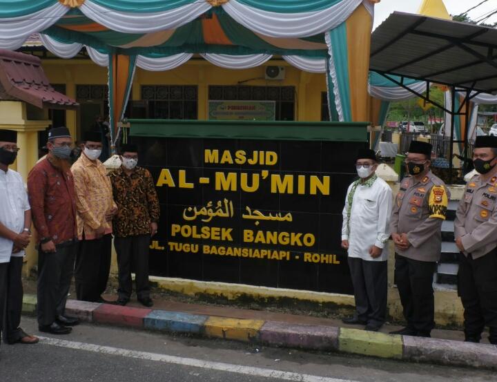 Kapolres Rohil Resmikan Masjid Al - Mu' min Polsek Bangko dan Rumah Tahfidz An-Nur Bhayangkara