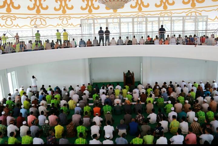 Jajaran Pemkab Sergai Shalat Jum'at Perdana di Masjid Agung