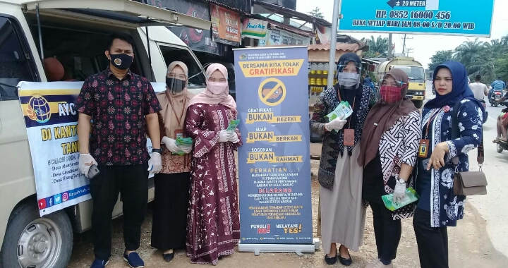 Menuju WBK dan WBBM, BPN Aceh Tamiang Bagikan Brosur Informasi Layanan Pada Masyarakat