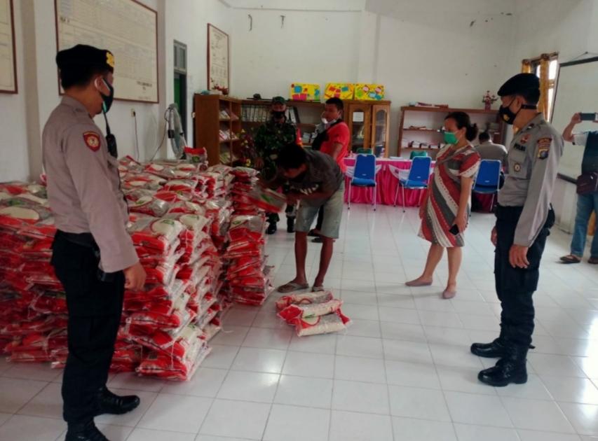 Polres Tebingtinggi Lakukan Pengawalan Penyaluran Bantuan Beras PPKM