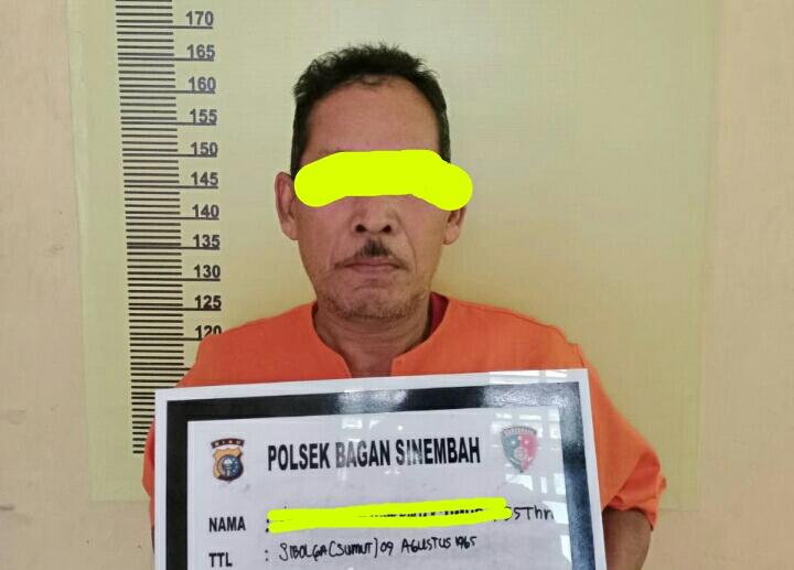 Edarkan Ganja Seberat 4,5 Ons di Warung Kopi, Kakek Tua di Gelandang Ke MaPolsek Bagan Sinembah