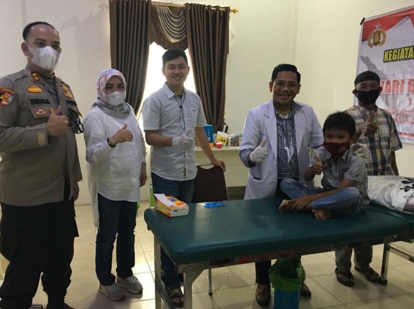 Polres Pelalawan Laksanakan Giat Khitan Massal Untuk Masyarakat Kurang Mampu