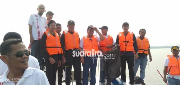 Aksi Gerakan Pembersihan Laut dan Pantai Kepulauan Meranti
