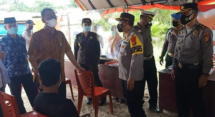Bersama Bupati dan Unsur Forkopimda, Kapolres Rohil Lakukan Pengecekan Posko Pengamanan Covid-19