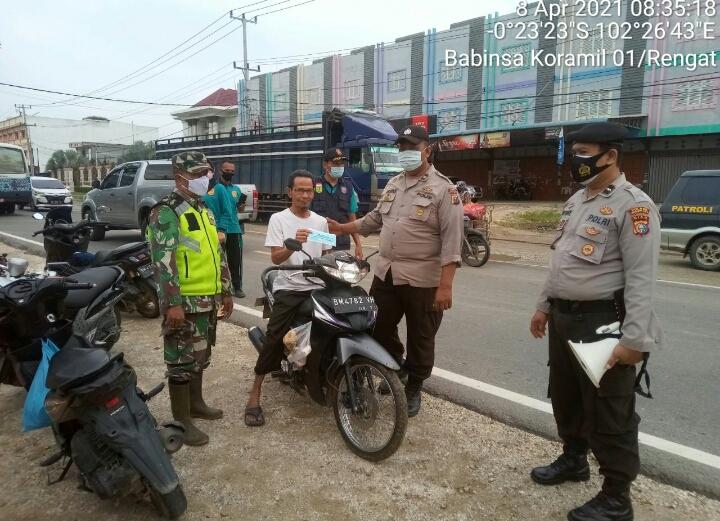 Patroli Gabungan Koramil 01/Rengat Dengan Polsek dan Satpol PP, Tegakkan Disiplin Protokol Kesehatan