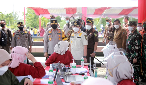 Gubri Bersama Forkopimda Tinjau Vaksinasi Merdeka Indonesia Tangguh Indonesia Tumbuh