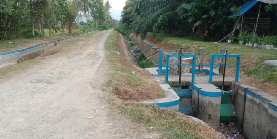 Masyarakat Pantura Kecewa, Bendungan di Persawahan Yang Sedang di Renovasi Mati Total