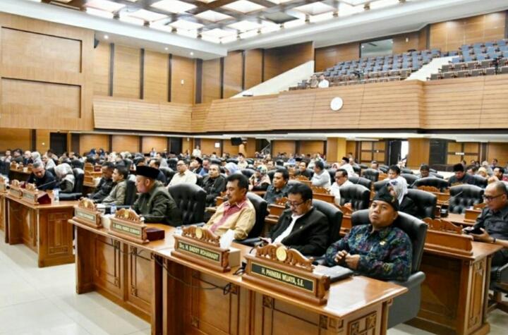 Rapat Paripurna Mengusulkan 6 Calon Pimpinan DPRD Provinsi Jawabarat