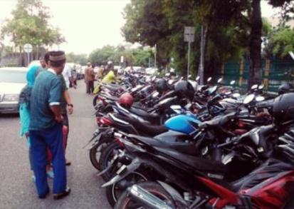 Wako Pekanbaru Perintahkan UPT Parkir Tindak Jukir Liar