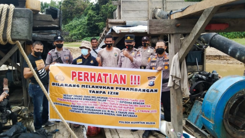 Penertiban PETI Oleh Personil Polsek Kuantan Mudik Desa Tebarau Panjang Kec Gunung Toar