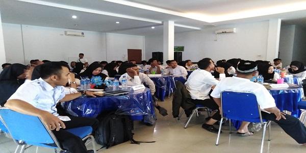 KIP Aceh Tamiang, Kukuhkan Dan Berikan Bimtek 55 Relawan Demokrasi