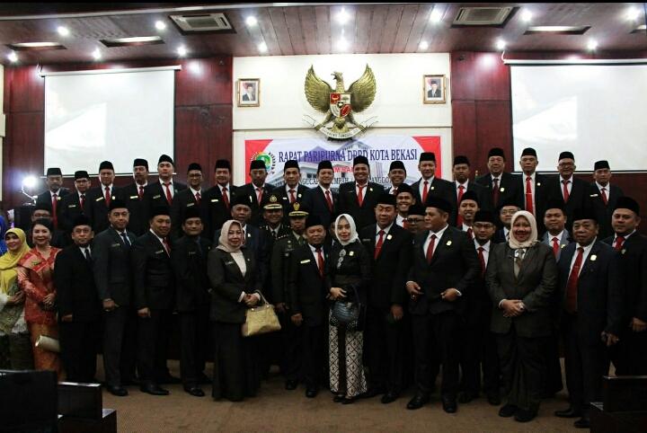 Setelah Pelantikan, Anggota DPRD Kota Bekasi Gadaikan SK