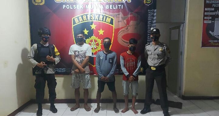 Diduga Terlibat Pencurian, Tiga Orang Diserahkan Ke Mapolsek Muara Beliti