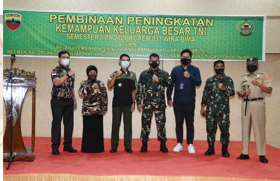 Dalam Rangka Pembinaan Peningkatan Kemampuan Keluarga Besar TNI, Korem 031/WB Lakukan Komunikasi Sosial