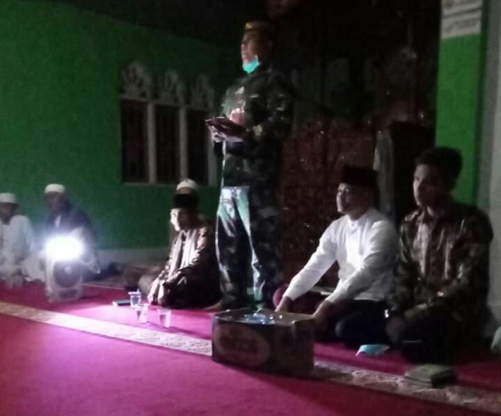 Sambut Malam Nisfu Sya'ban, Anggota Satgas TMMD Ke-110 Kodim 0313 KPR Gelar Do'a Bersama