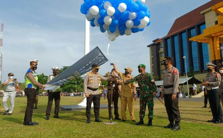 Polda Riau Menggelar Apel Gelar Pasukan Operasi Ketupat Lancang Kuning 2021