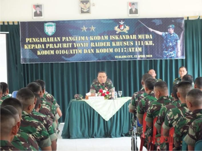 Mayjen TNI Teguh Arief Indriatmoko, Beri Pengarahan Kepada Para Prajurit