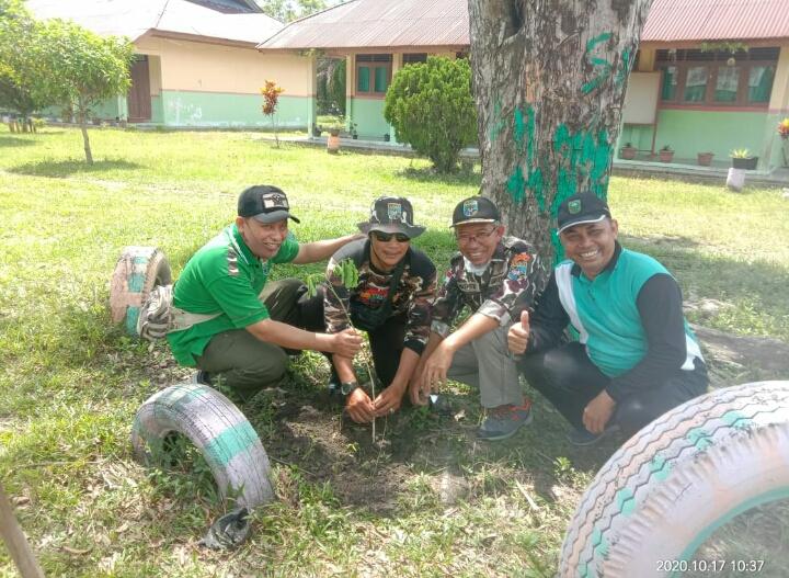 GM FKPPI Peduli Lingkungan Penanaman Pohon di SMP Negeri 4 Pantai Cermin