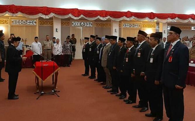 Gubernur Riau Lantik 20 Pejabat Eselon II Pemprov Riau