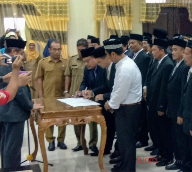 Bupati Aceh Tamiang, H. Mursil. Merotasi Sejumlah Pejabat, Dua Pejabat Dinonjobkan