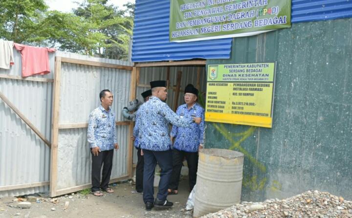 Bupati dan Wabup Sergai Tinjau Pembangunan Gedung Instalasi Farmasi