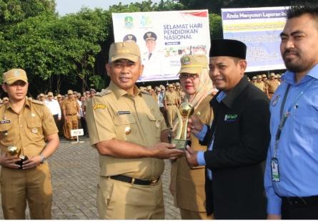 Wali Kota Bekasi Raih Penghargaan Top Pembina BUMD 2019