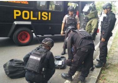 Polisi Penjinak Bom Sisir Tempat Pleno Rekapitulasi KPU di Hotel