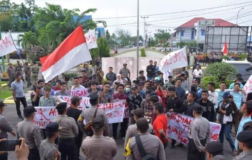 Mahasiswa Bengkalis Demo di Kantor Bupati Dan DPRD Bengkalis