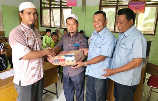 Jalankan Program Pelalawan Sehat, H Agustiar Turut Dampingi Husni Tamrin